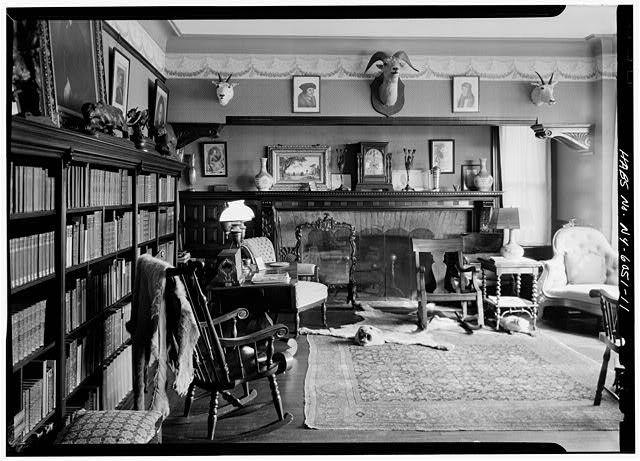 Roosevelt, Library gun room