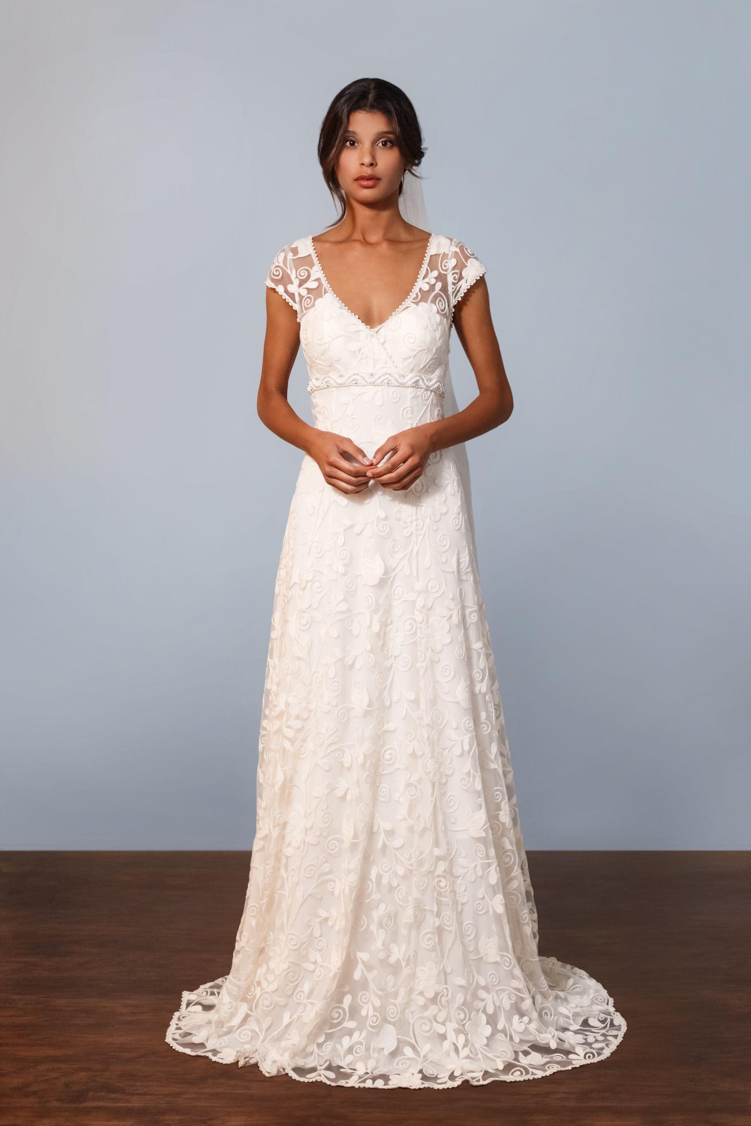 Famous Massive Wedding Dress Vignette - Womens Dresses & Gowns ...
