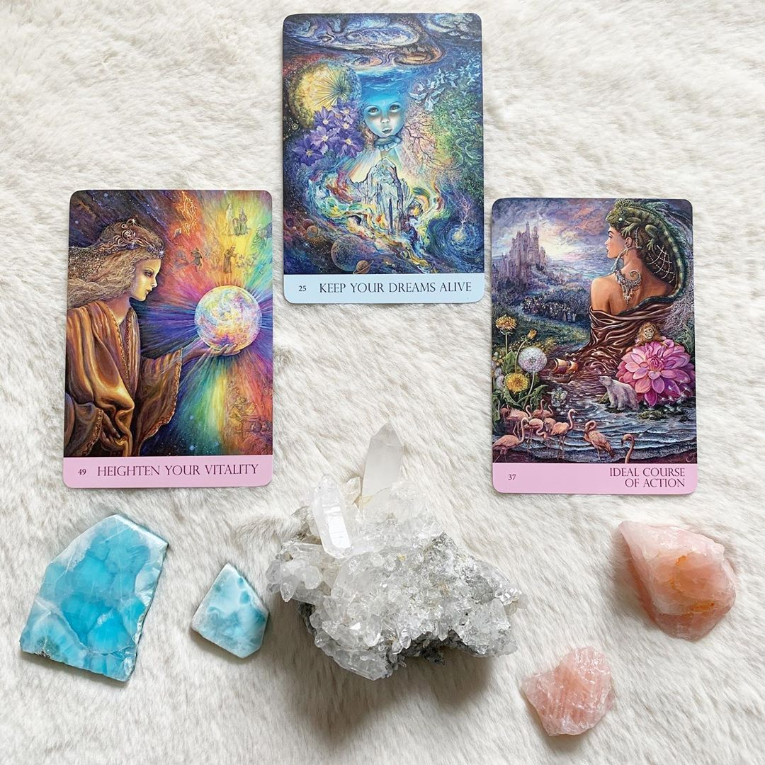 As a tarot teacher one thing which i find fascinating is