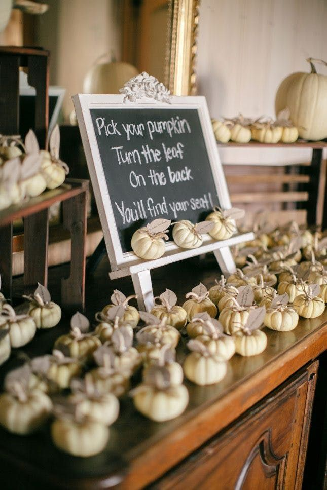15 Unique Ways to Help Your Wedding Guests Find Their Seat