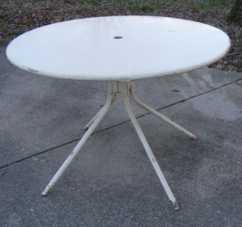 Metal Patio Table Offered On Ebay For 895 42 Crazy Patio