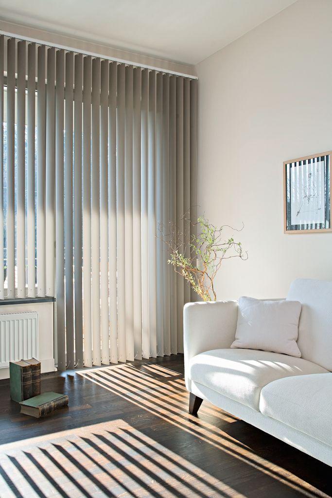 Tende a lamelle verticali altezze su misura persianas for Tende casa minimalista