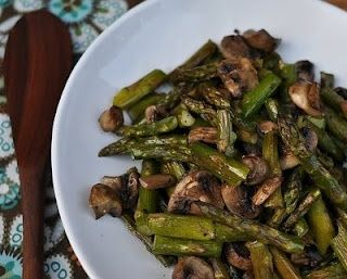 Roasted asparagus & mushrooms http://bit.ly/HdqEdW