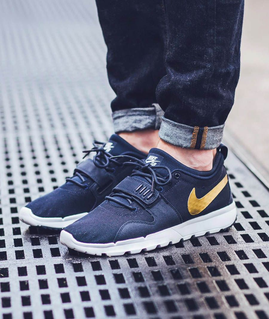 1f3cdc884f65 The Nike SB Trainerendor is rendered in obsidian gold for its latest  colorway this Spring Find it at Nike stores overseas first.