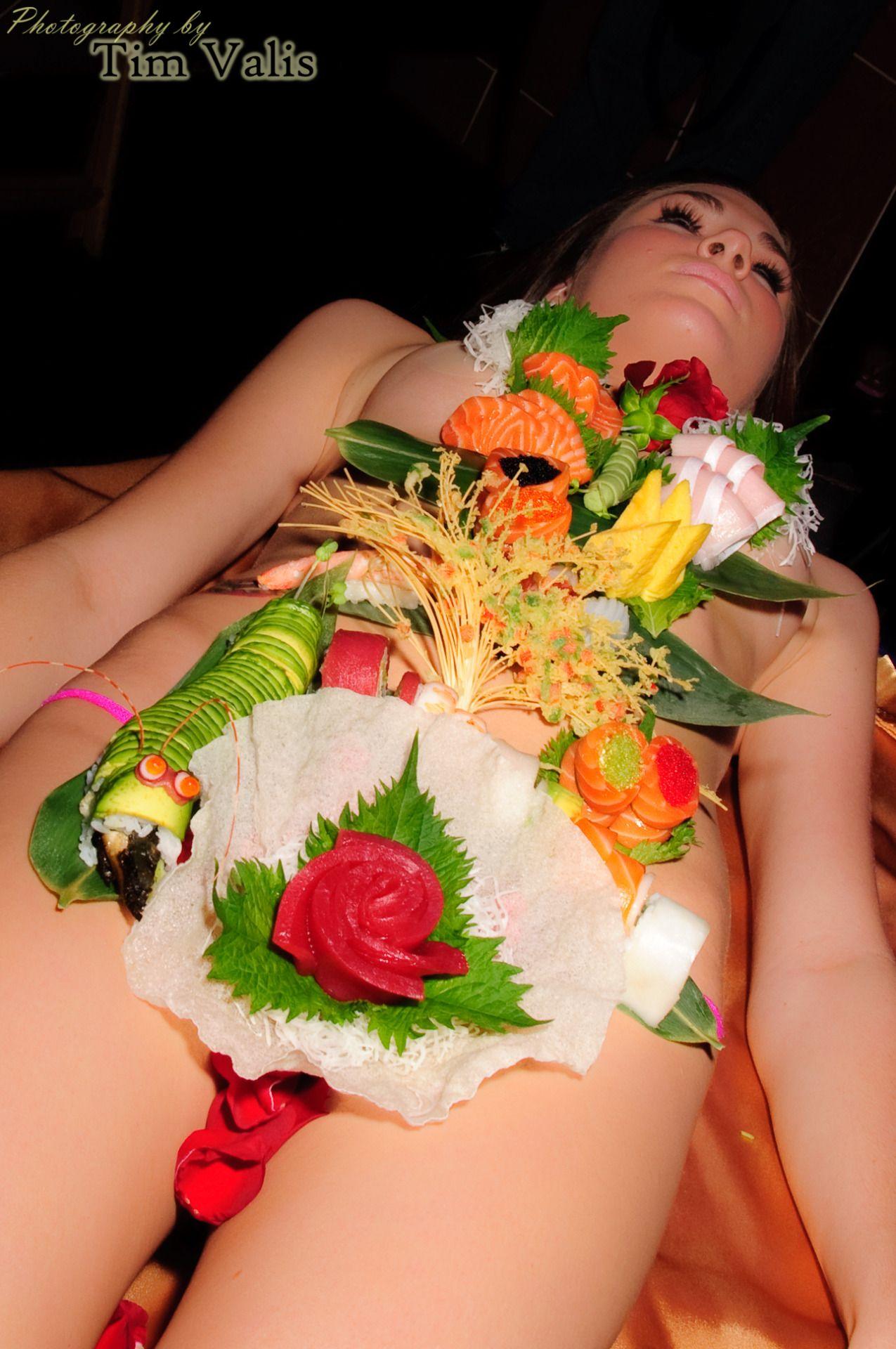 Nyotaimori  Naked Sushi  Body Sushi  Nyotaimori  Pinterest-6837