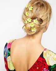ASOS Pack of 10 Mini Buttercup Hair Clips