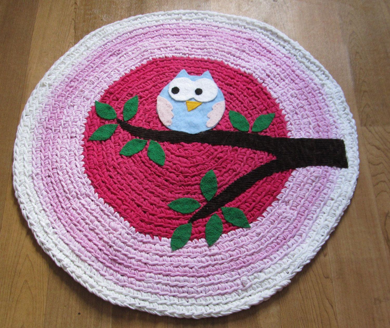 owl crochet rugs - No pattern but looks easy enough.   Alfombras de ...