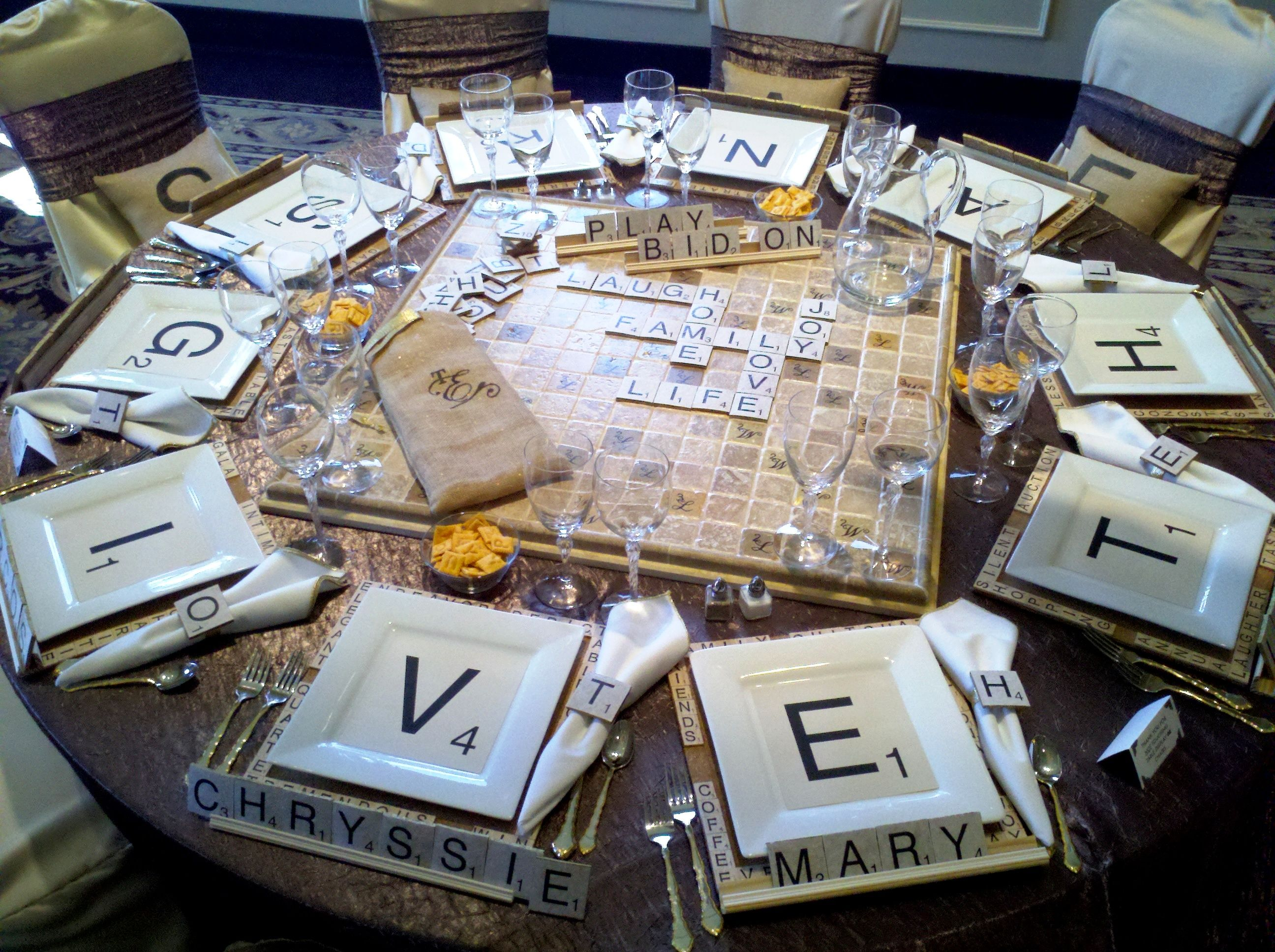 Table Top Decor With A Scrabble Theme This Would Be So Much Fun For A Dinner Party Elisad Com Game Night Parties Game Night Decorations Board Game Party