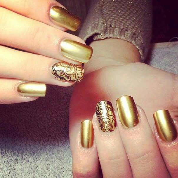Doradas con grecas | NAILS DESIGNS | Pinterest | Diseños de uñas ...