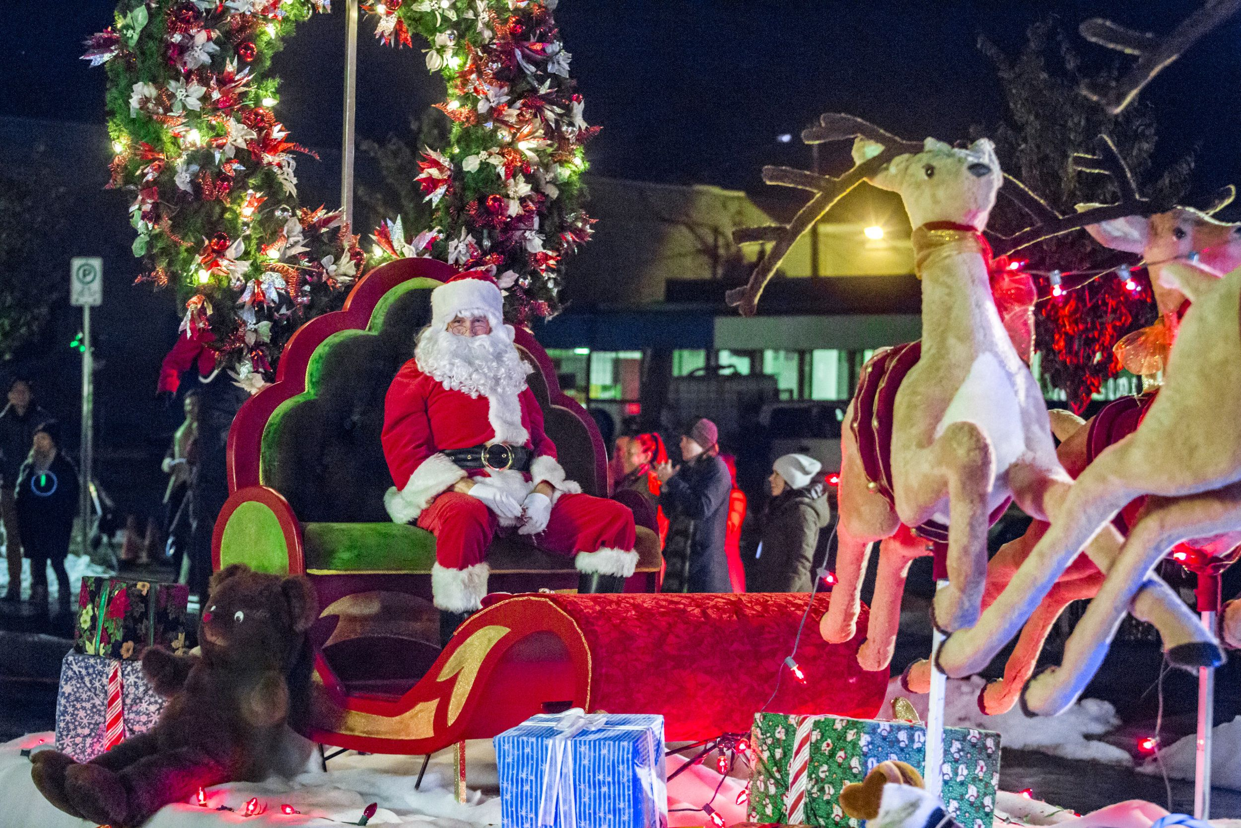 The Christmas Parade Hallmark.Finding Santa Can Santa Be Found In Time To Lead The Christmas