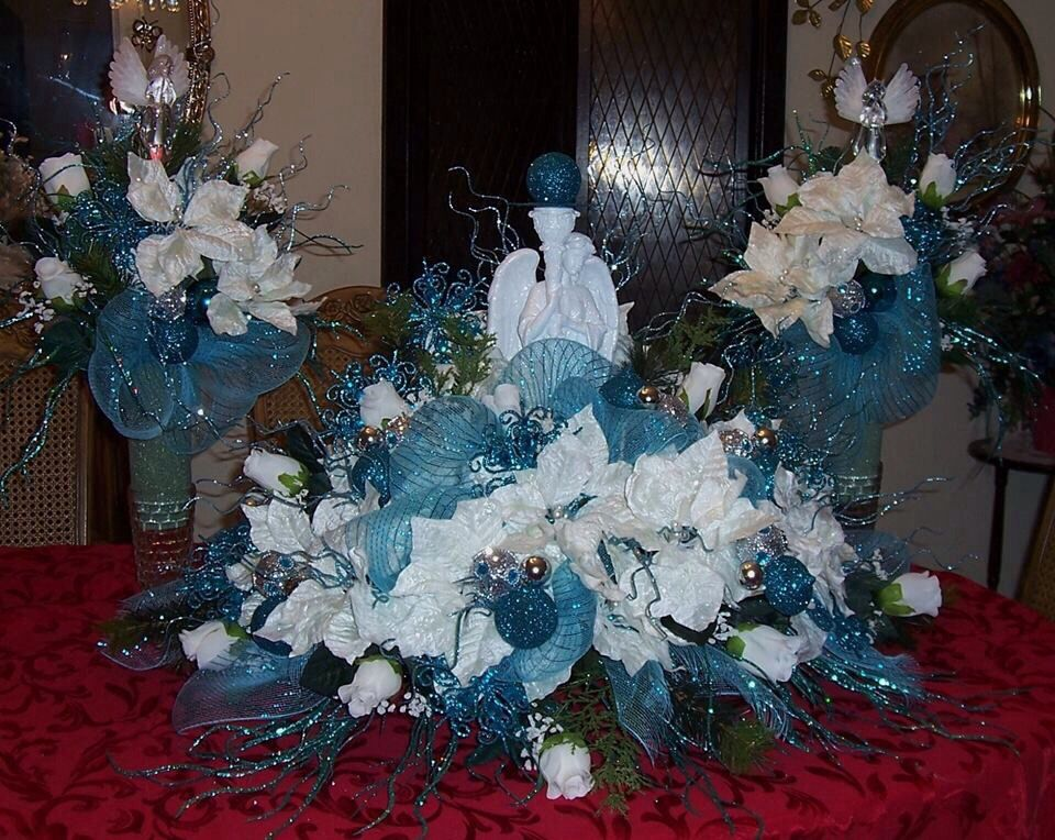 Grave saddle...Christmas grave flowers made with solar twinkle ...