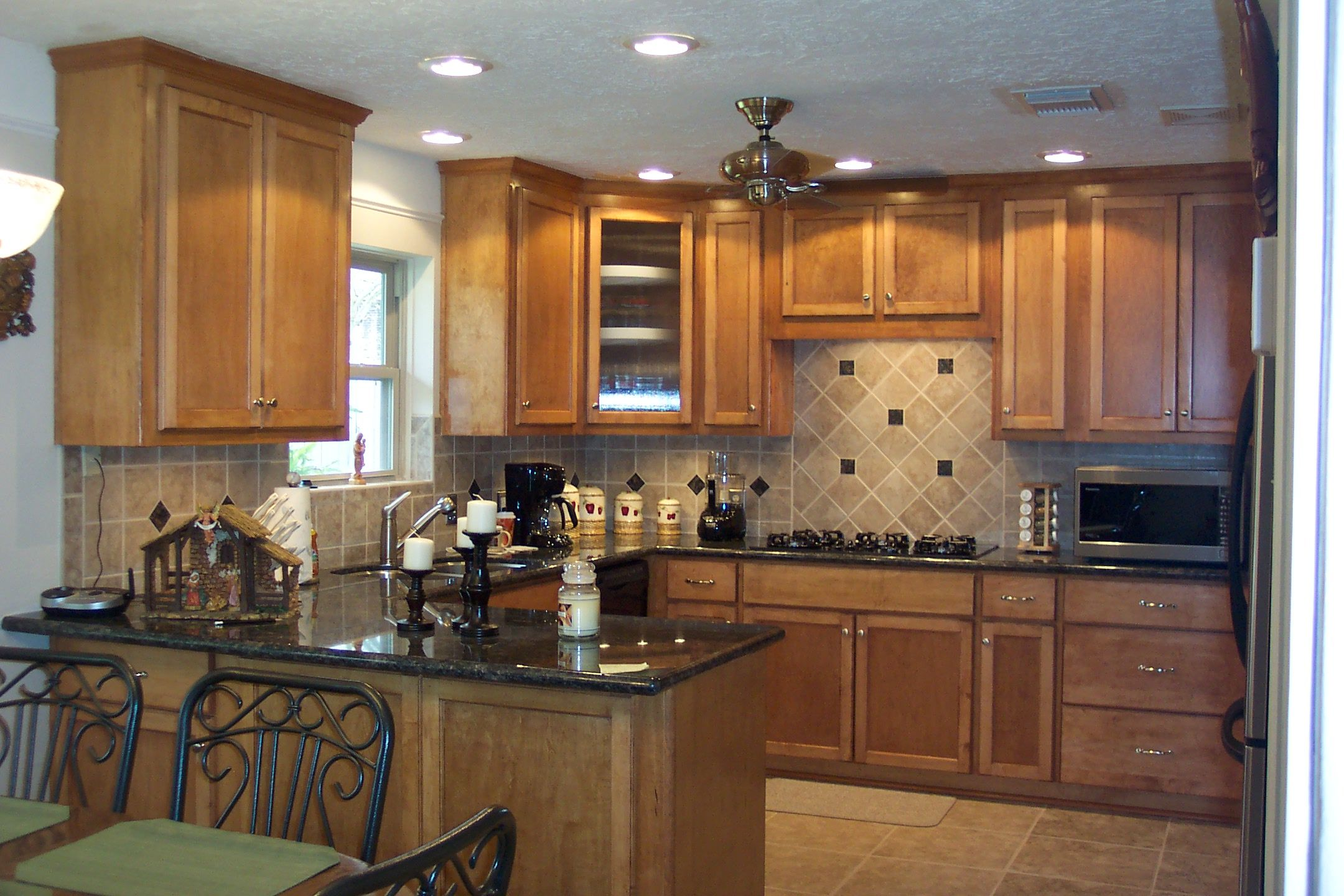 Small Kitchens On a Budget » Home Design Ideas » Kitchen