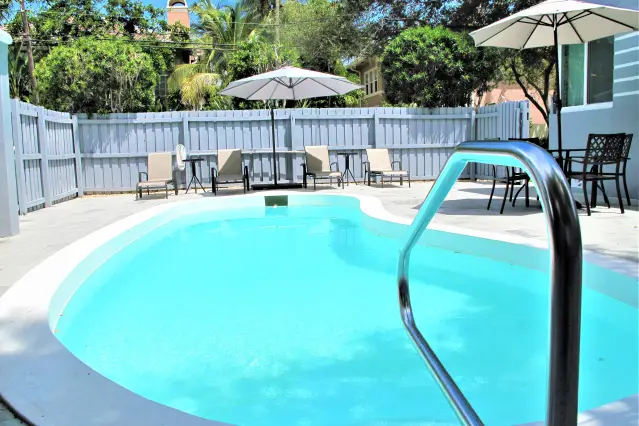 Las Olas Art Deco Retreat Best Location Apartments For Rent In Fort Lauderdale Vacation Home Condo Rental Best Location