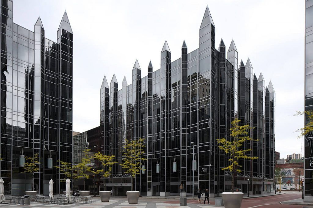 Top 10 Best Postmodern Architectural Buildings To Check Out Philip Johnson Post Modern Architecture Architecture