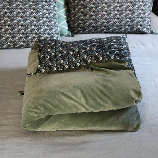 couvre pied lit Couvre Pied Petit Papier Caravane 70'S Meleze Velour Glacier  couvre pied lit
