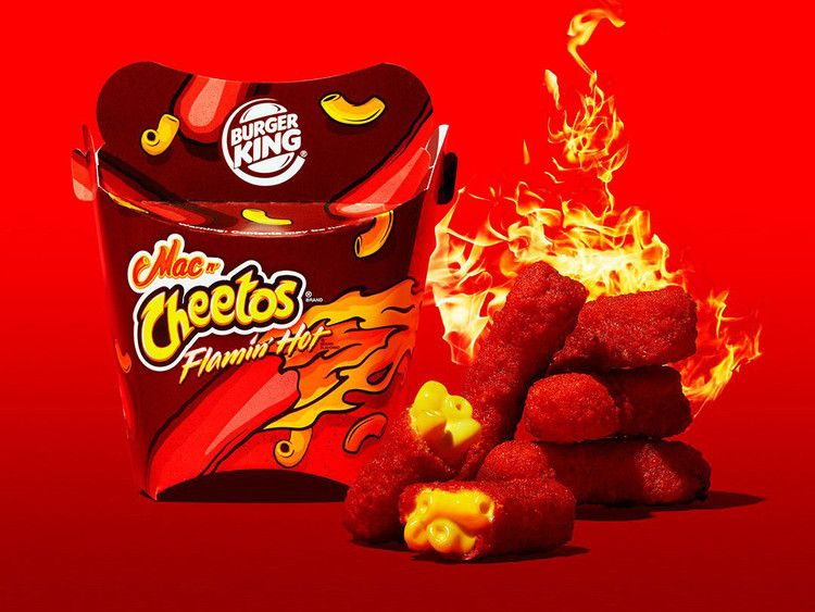 Youtube S Fast Food Critics Are Going Crazy For Burger King S Flamin Hot Mac N Cheetos Grub Street Mac And Cheetos Mac N Cheetos Cheetos