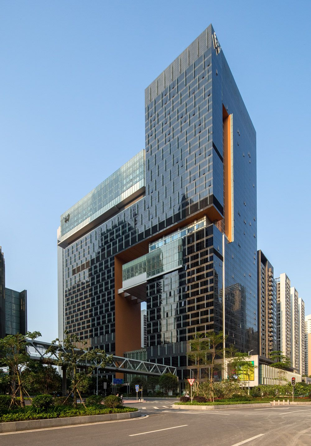 W guangzhou hotel residences location guangzhou china for Arquitectura china moderna