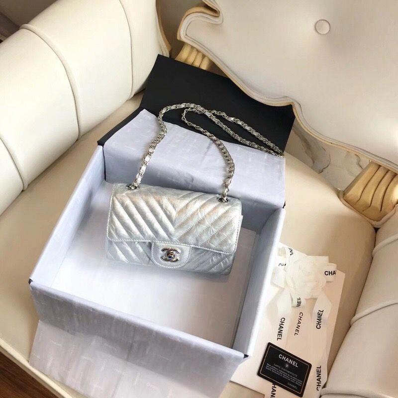 9082eb5f4378 Chanel Classic flap – Perfect C Club #Louisvuittonhandbags | Louis ...