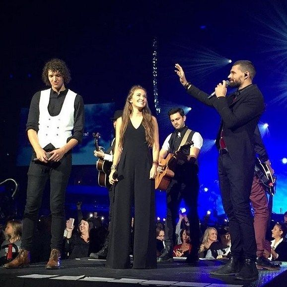 For King And Country Christmas.Lauren Daigle And For King And Country Christmas Tour