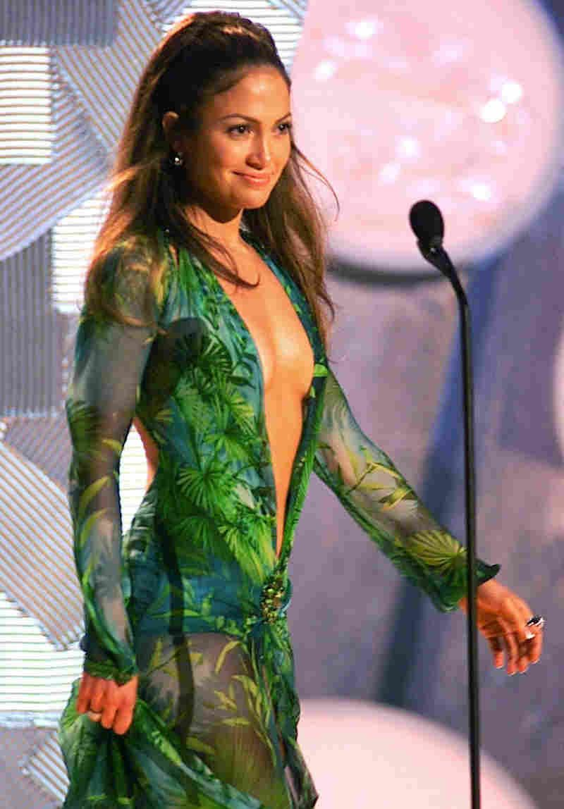 Shop For A Wedding Dress These Days And You Ll See Tons Of Gowns With Plunging Necklines And Illusion Fabric From Jlo Green Dress Jennifer Lopez Jenifer Lopez [ 1148 x 800 Pixel ]