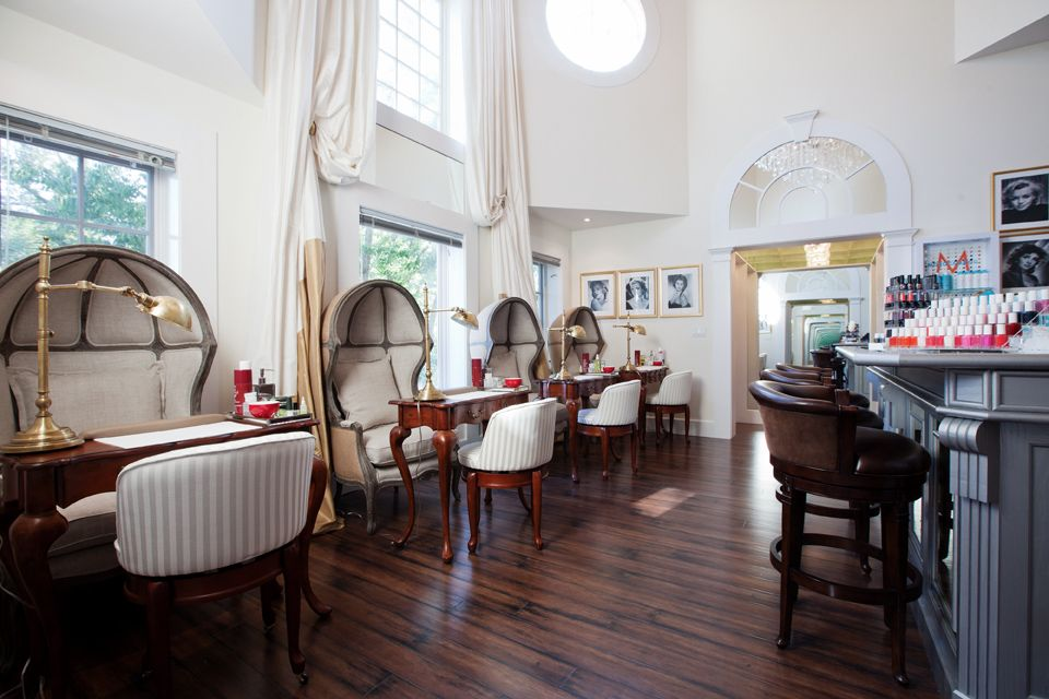 Salon Bar A Luxury Spa Located In East Hampton New York Salon Interiors Nail Salon Decor