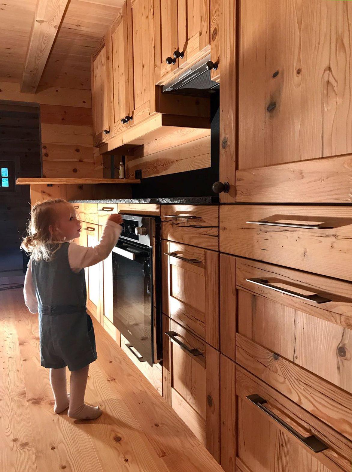 Altholz Kuche Kuche In Fichte Altholz Im Holzhaus Kuchen In 2019