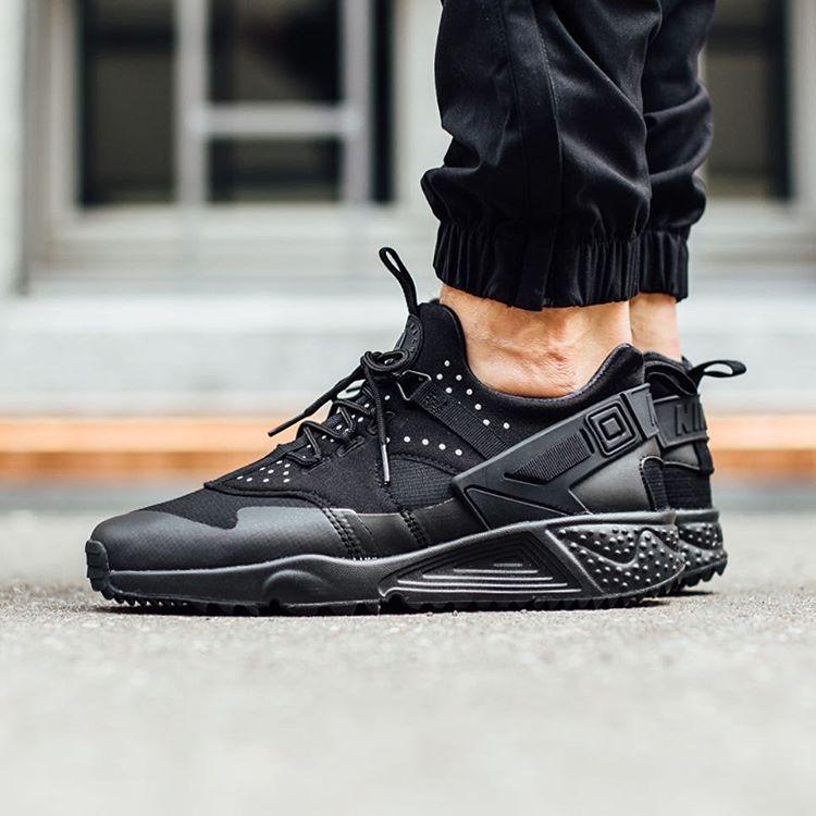 énorme réduction 93358 59fac Nike-Air-Huarache-Utility | Shoes | Nike shoes, Nike air ...