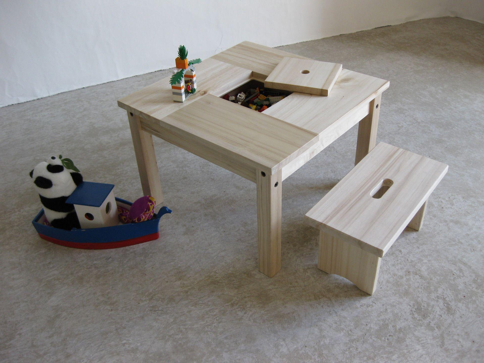 Table enfant bois et son petit banc , avec rangement : Chambre d ...