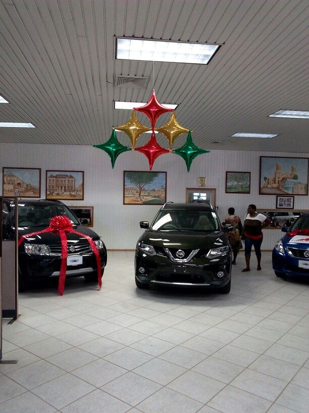 Xmas Decor For Car Showroom Xmas Decor Balloon Decorations