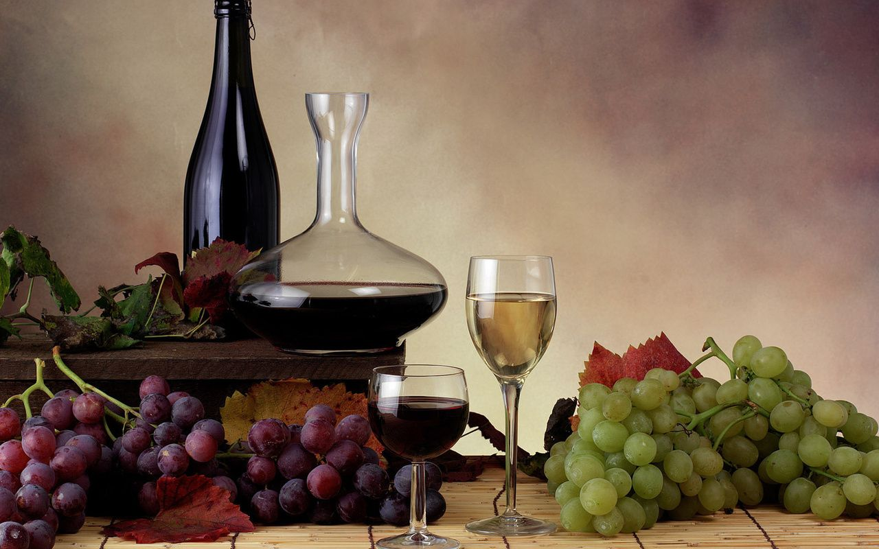 Обои красное, бокалы, виноград, бутылка, вино, доска. Еда foto 12