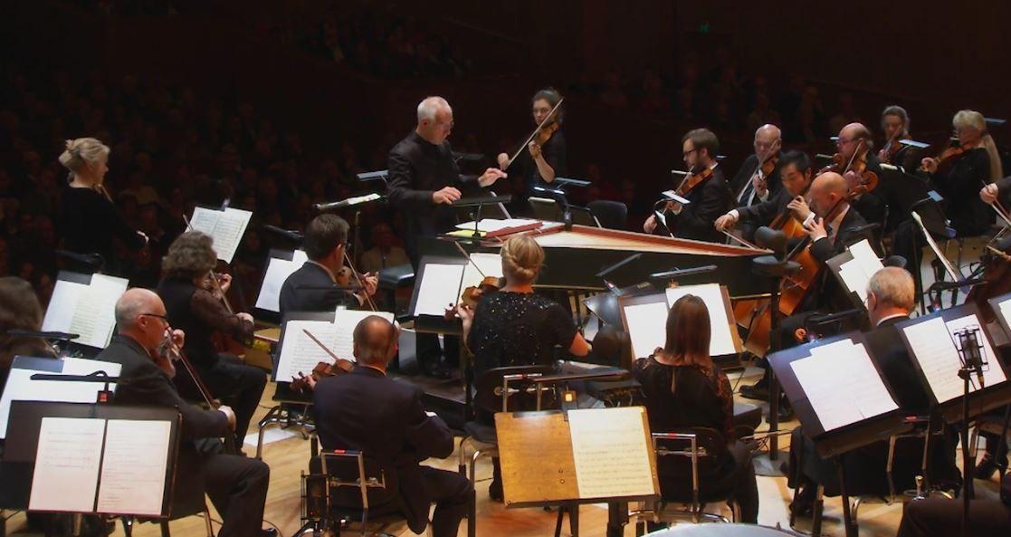 Silent Night: Christmas Concert – Gothenburg Symphony Orchestra, Nicholas Kraemer • http://facesofclassicalmusic.blogspot.gr/2015/12/silent-night-christmas-concert.html