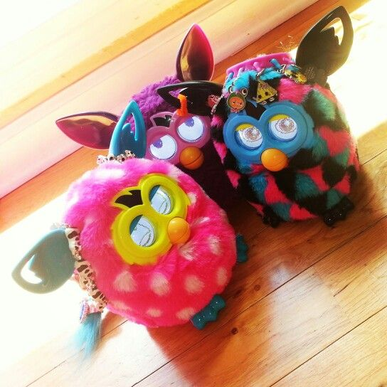 Love Our New Furby Boom Freaks Brinquedos