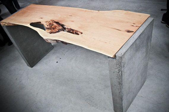 Live Edge Locust Wood Office Desk On Concrete Legs Avec Images Meubles En Beton Beton En Bois Table Metal Bois