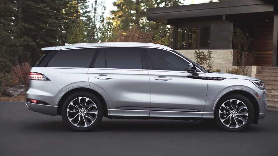 Lincoln S 494 Hp Plug In Hybrid Suv Gets Official Mpg Figures Lincoln Aviator Plug In Hybrid Suv Suv