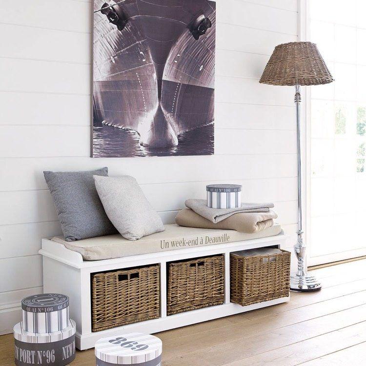 meuble hall d entree aussi beau que pratique banc avec paniers de rangement pour