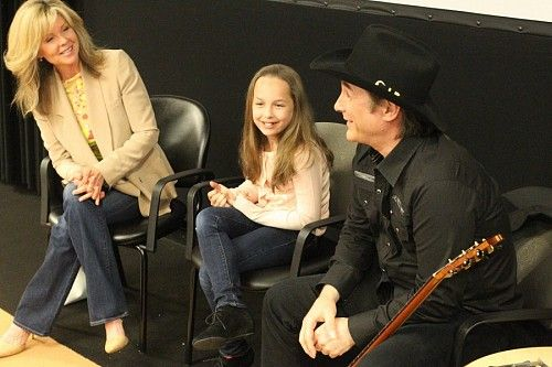 Lily pearl all grown up clint and lisa black for Is clint black and lisa hartman still married