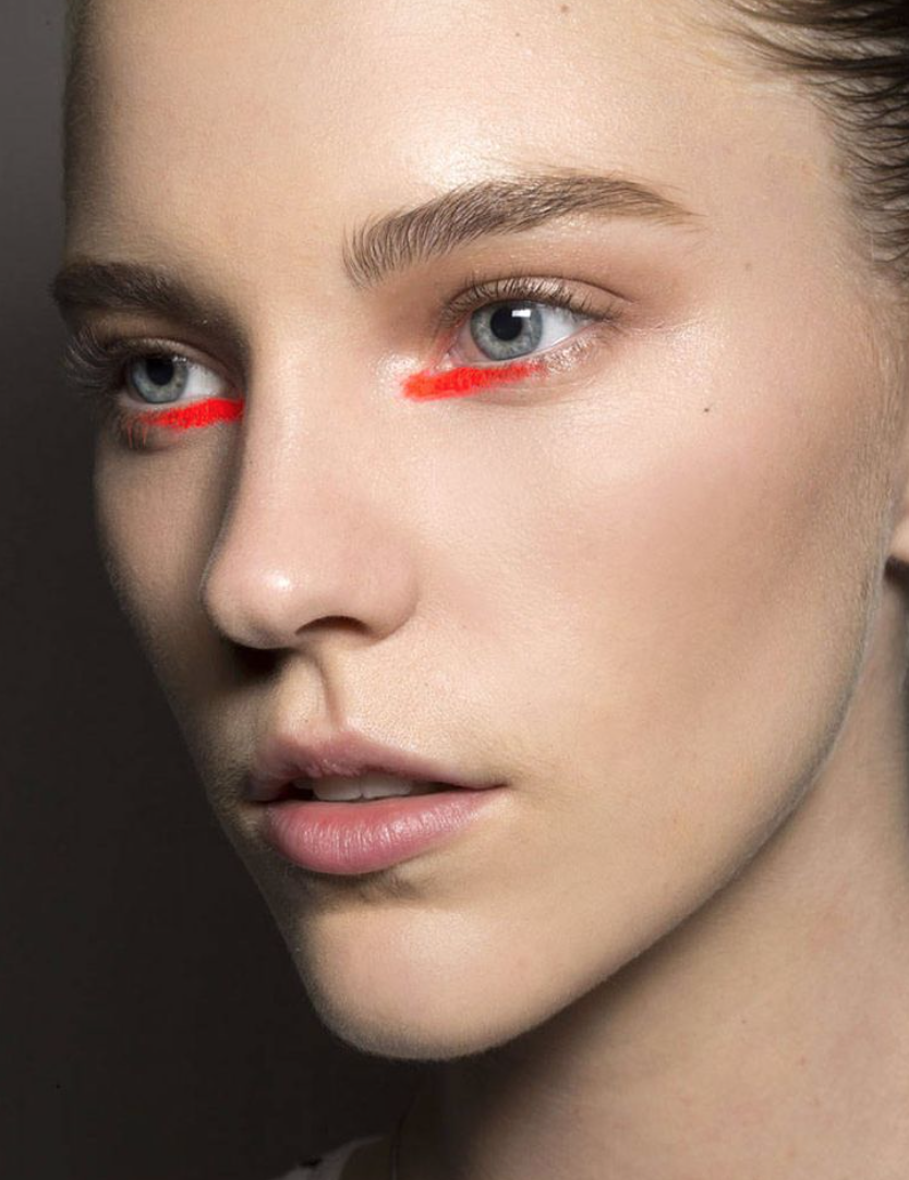 2019 year look- Trend beauty neon colors