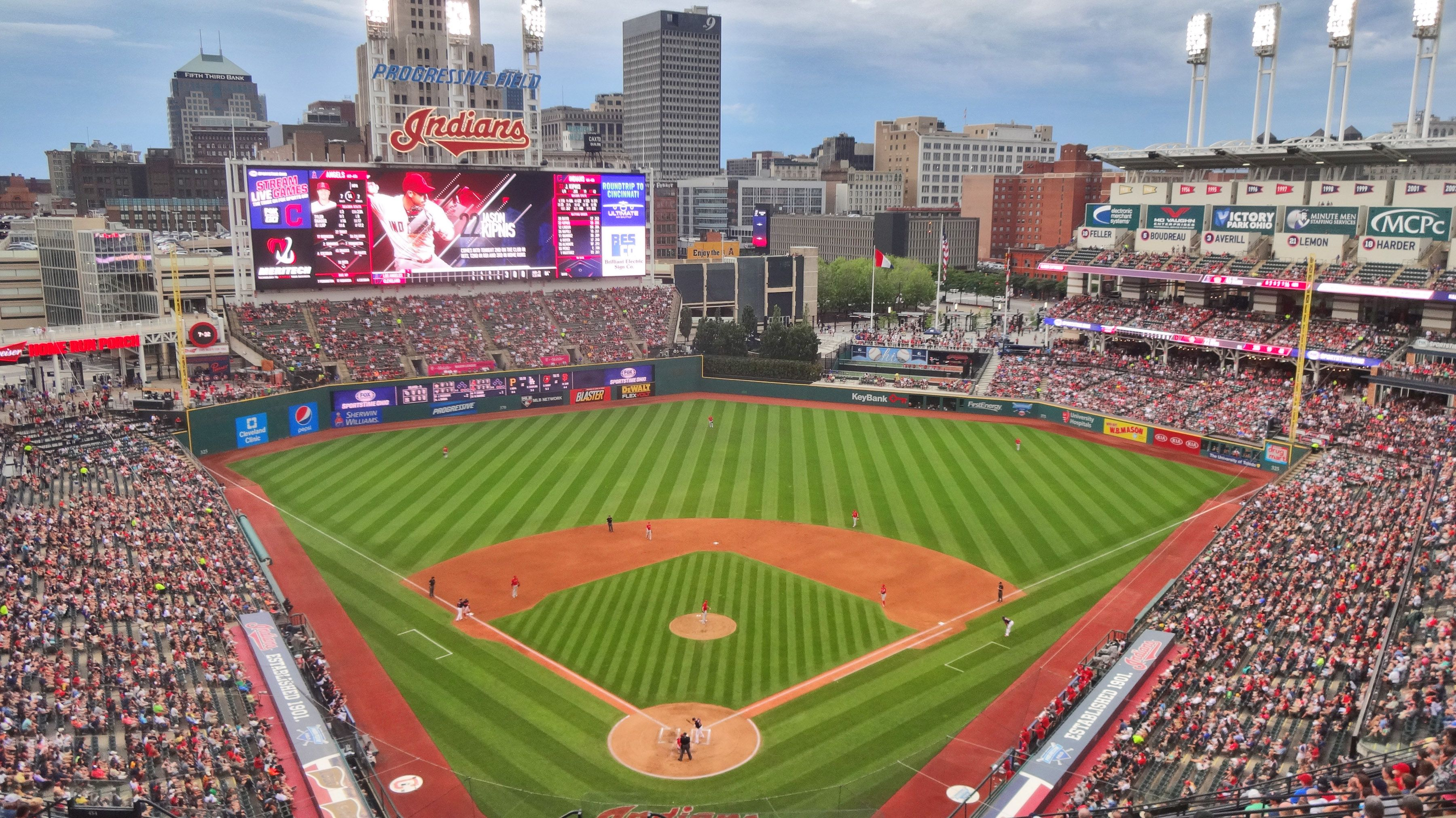 Progressive Field Cleveland Oh Home Of The Cleveland Indians Ballparks Mlb Stadiums Major League Baseball Stadiums