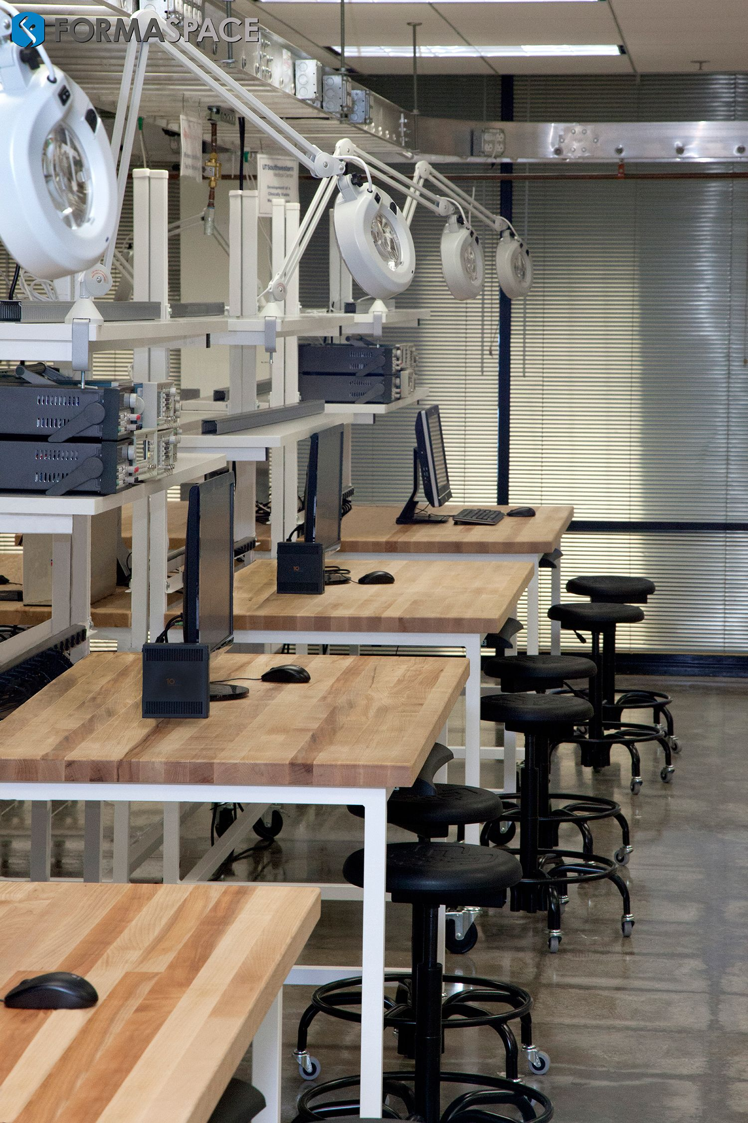 Formaspace S Workbench Gallery Features But A Few Of The Thousands Of Industrial W Electronics Lab Workbenches Custom Industrial Furniture Electronic Workbench