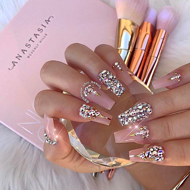 ✨LUXURY NAIL LOUNGE ✨ (@glamour_chic_beauty) • Instagram photos and videos. Diamond  Nail DesignsDiamond ... - ✯ Nails ✯ ✯ Nails ✯ Pinterest Swans, Vegas And Glamour