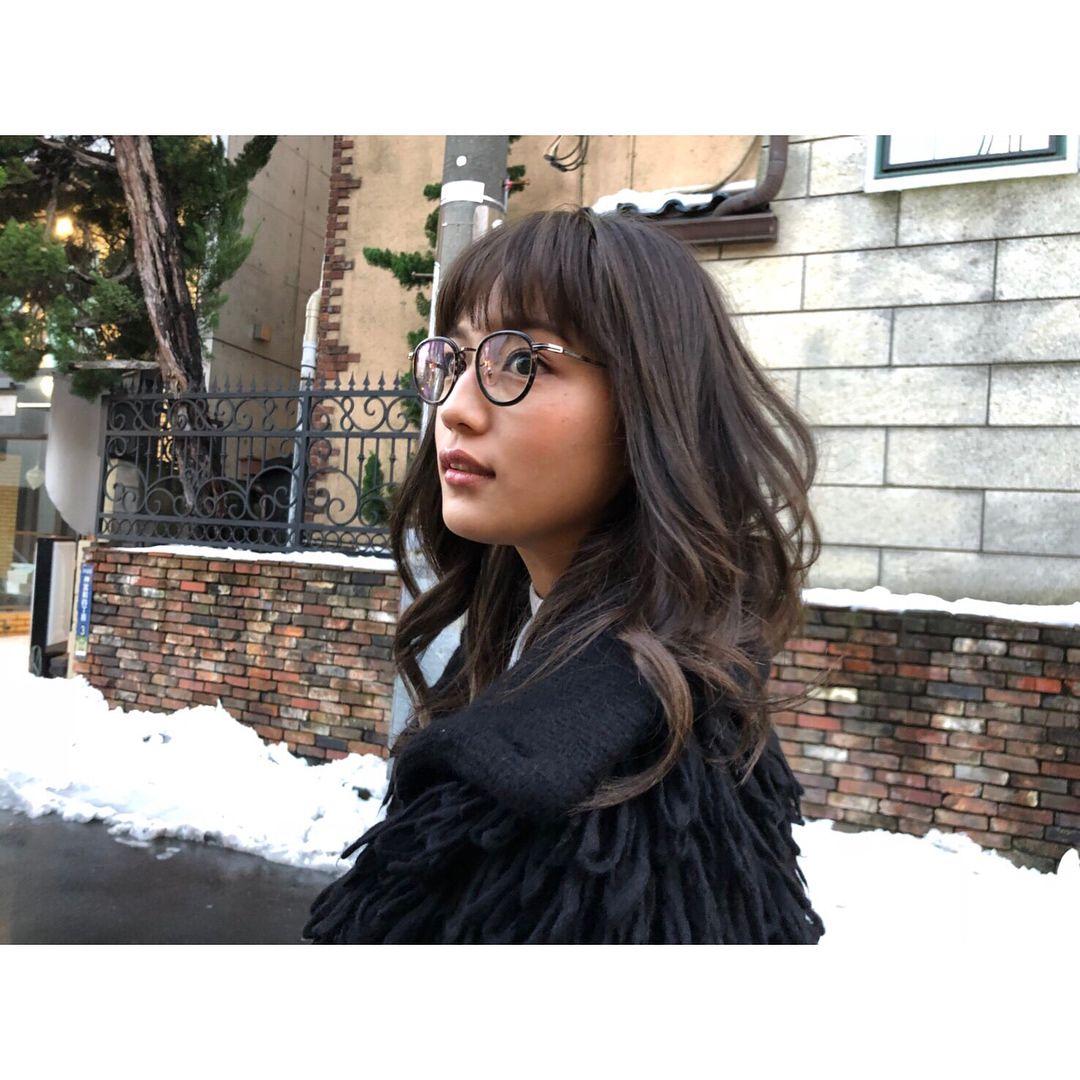 良い色でしょ ヘアスタイル 前髪 髪色 髪型で女子は相当変わるのでとっても大切にしてます ナチュラルに自分に似合うスタイルを常に探してます この色はお気に入りなの Beauty Long Hair Styles Hair Styles