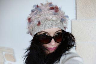 super carino prezzo più basso vendita economica uncinetto moda e fantasia: cappellino fantasia in lana con ricamo ...