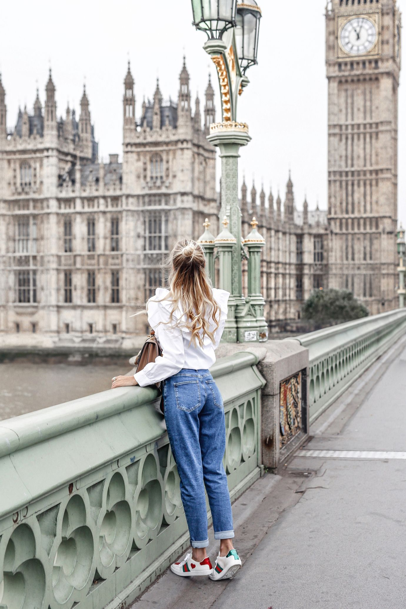 Weekend City Guide To London Jeans Mamma Pose Fotografiche