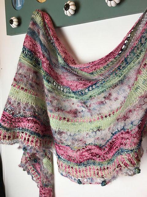 Mohair Shawl pattern by Lola & Punto | Shawl patterns ...