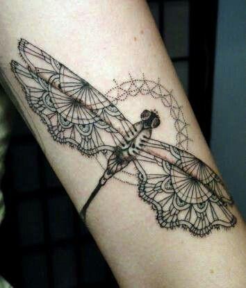 Tattoo libelula mandala | tattoo | Pinterest | Libélulas