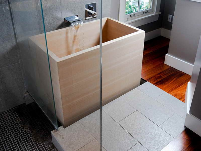 Canvas of Japanese Soaking Tub Small: Give the Asian Accent in Your ...