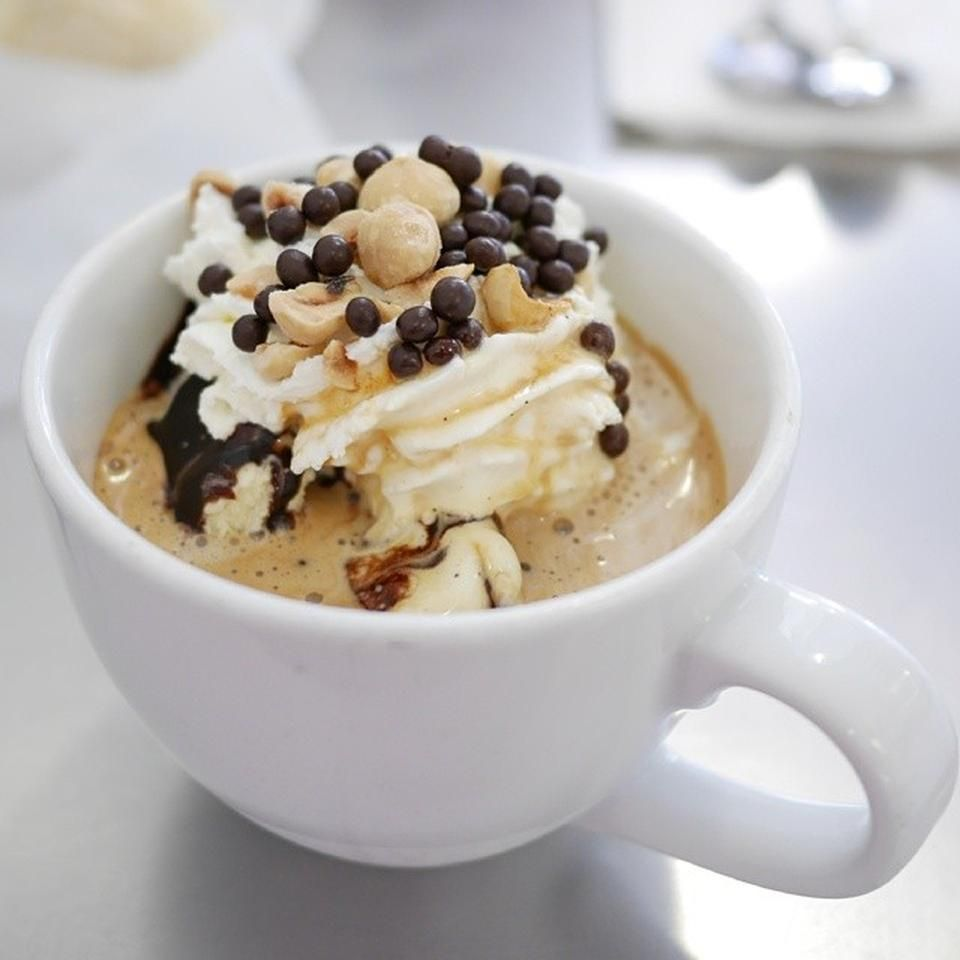 This #dessert and #coffee shop makes sure that customers love not just the taste but also the way food, drinks, and desserts are served. Take a look at this espresso. It's got whipped cream topped with sweet goodies. Surely you haven't seen espresso served like this before.