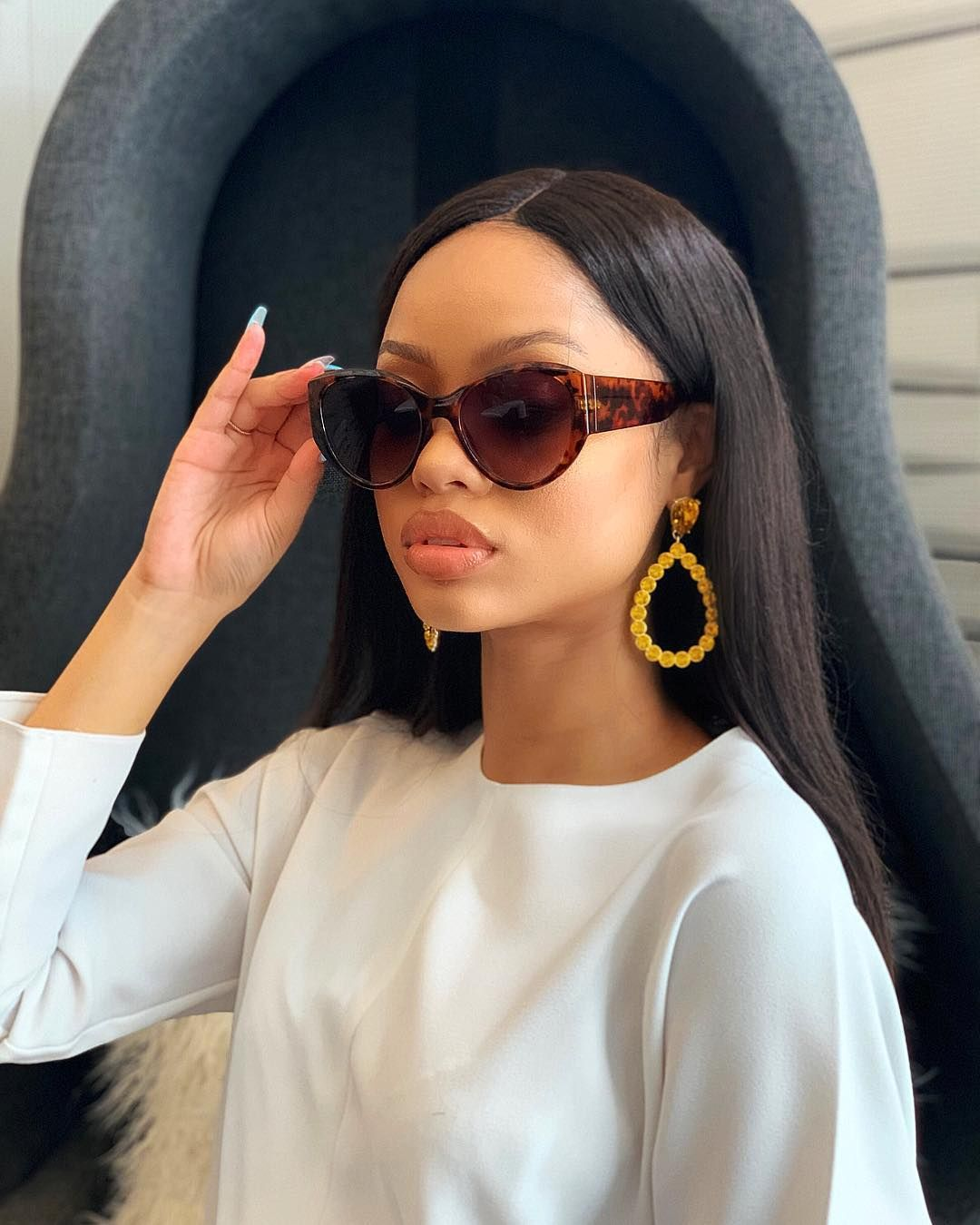 Belinda On Instagram Visualize Your Best Self Then Show Up As Her Round Sunglasses Women Sunglasses Women Sunglasses