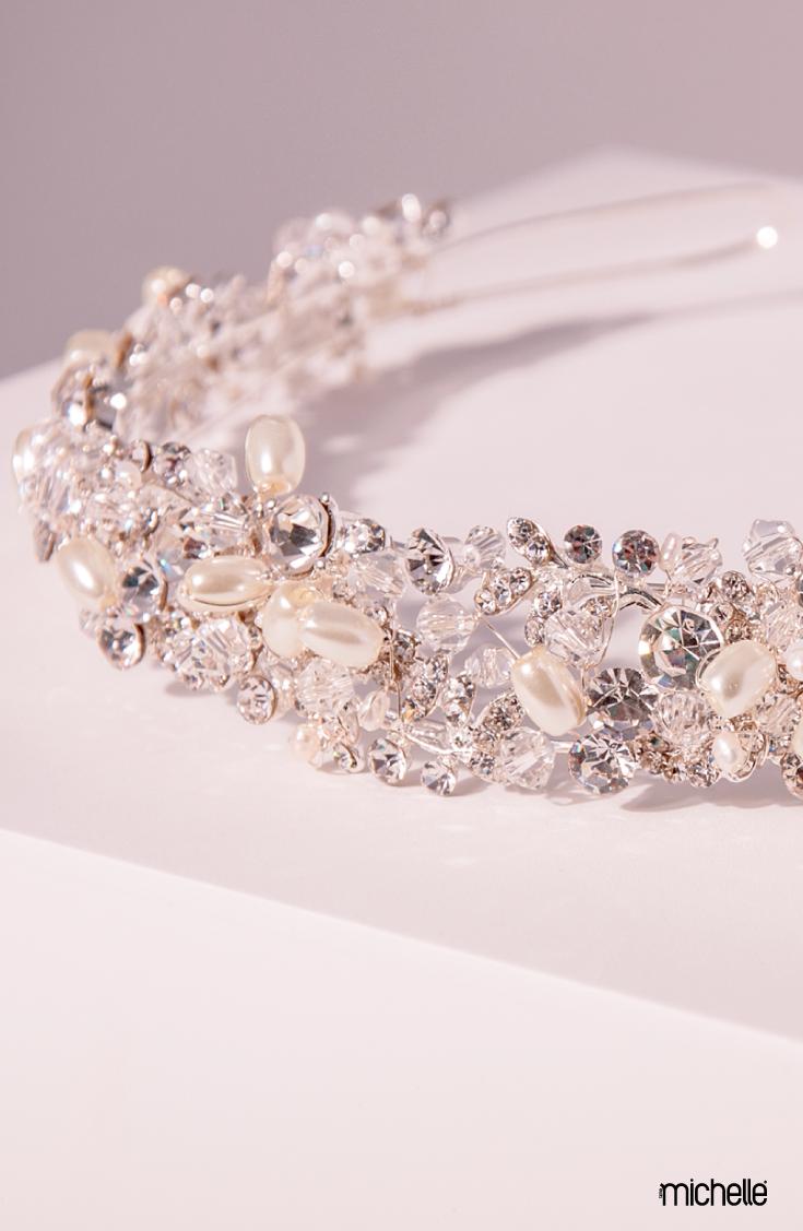 175870510 Tiara de pedrería, diseño diadema con piedras estilo cristal cortado. Base  plata Largo: