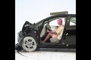 How To Check Car Safety Ratings Car Insurance Car Safety Car